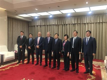 刘伟会见卢森堡货航董事会主席保罗•海明格