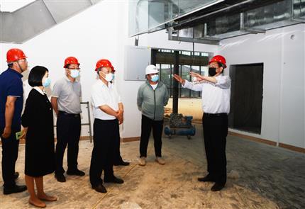 河南爱博体育app主要领导到BAA(中国)航空培训中心施工现场调研指导